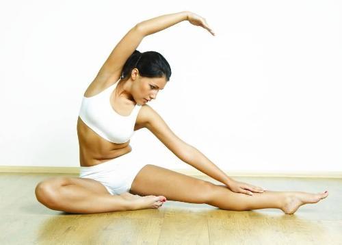 20160811_healthy_yoga_woman_10948796